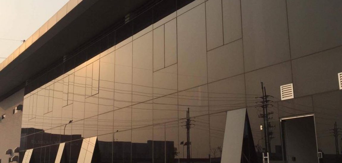 Dán Phim cách nhiệt nhà kính, phim cách nhiệt cửa sổ